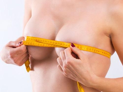 chirurgie esthétique de la poitrine